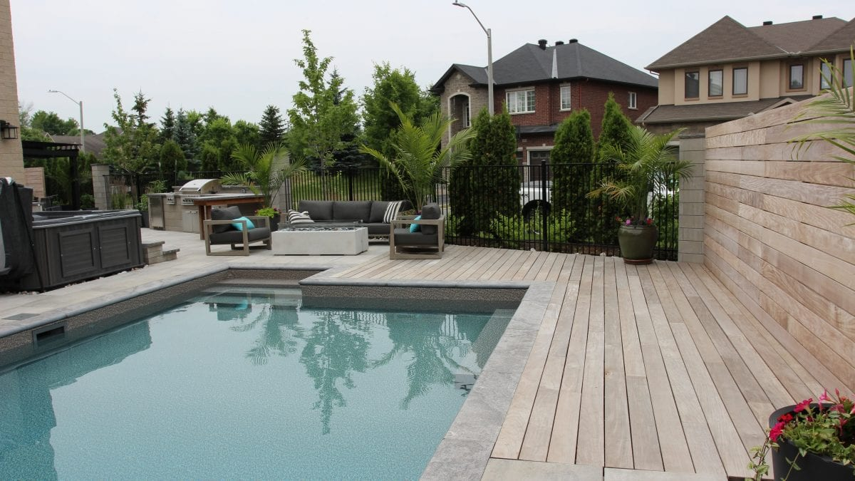 City Retreat - wood deck and fence